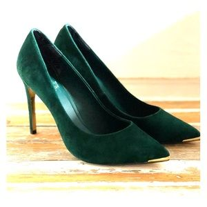 Ted Baker forest green suede pumps